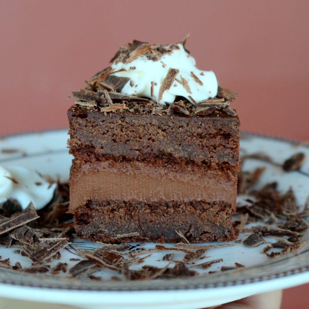 rigo jancsi is chocolate cake