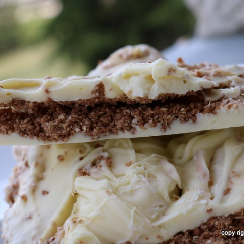 White Sport, White Chocolate and Wafer Hazelnut Filling