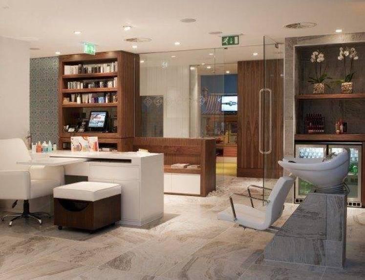 No 1 Traveller Lounge Spa