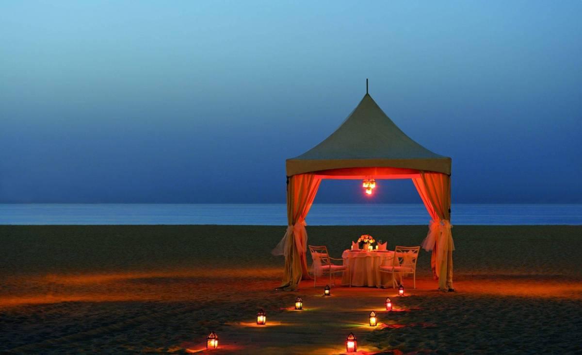 Ritz Carlton Dubai Romantic Dinner On Private Beach