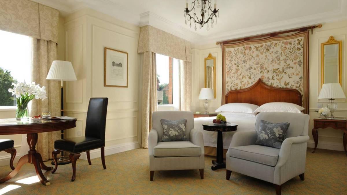 Four Seasons Hampshire Suite
