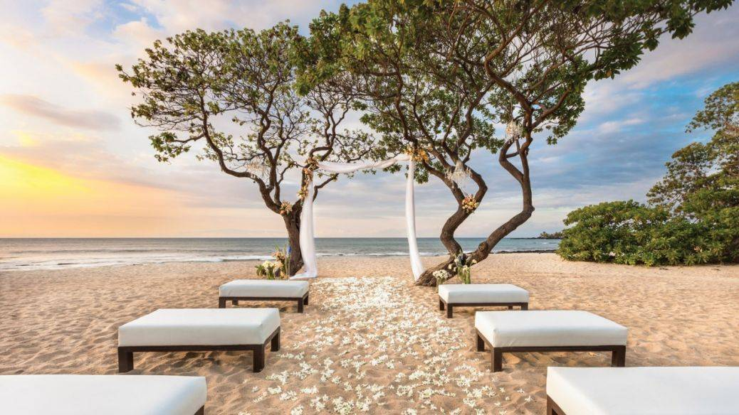A sunset beach wedding is a blissful affair. Photo: Four Seasons