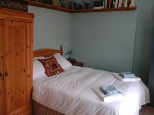 An extre double bedroom is available on the same floor if your party is 3-4 guests