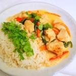 Kylling i karry med ris og peberfrugt
