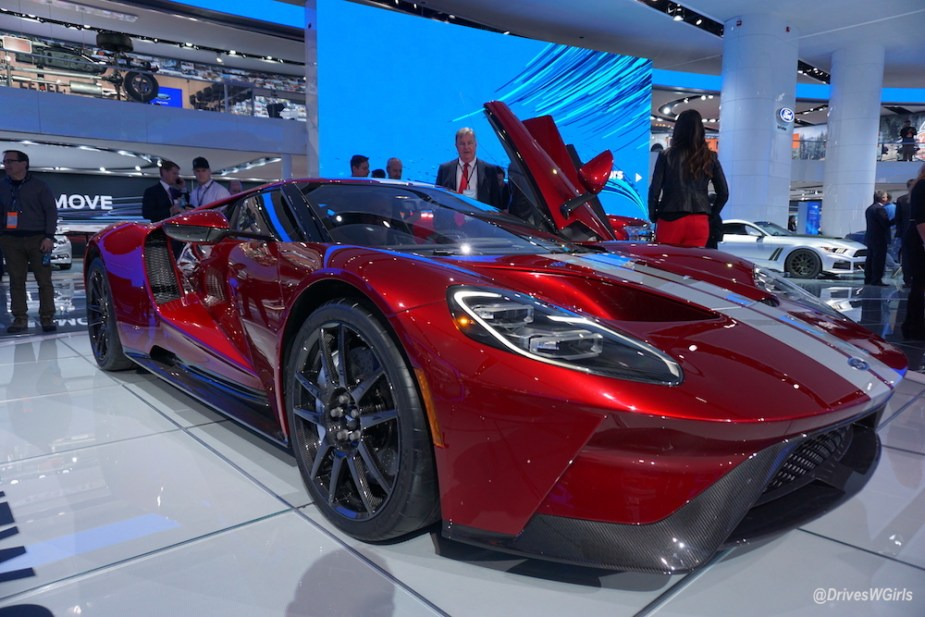 Ford Shows Off Production Ready Ford Gt In Detroit Wows Crowd And Even Appeals To Vice President Biden