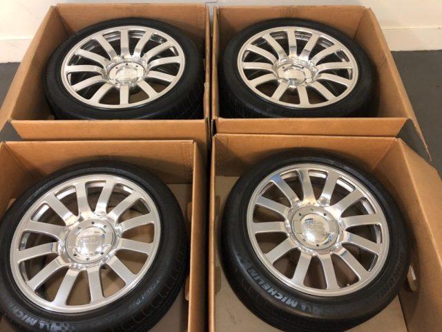 Bugatti Veyron Wheels + Tires