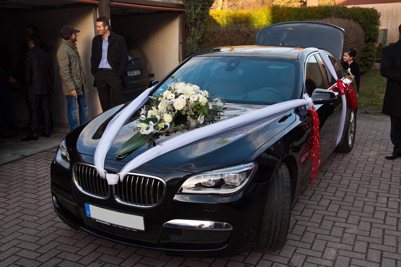 Foto das Hochzeitsauto ein BMW 730d F01 LCI den sich