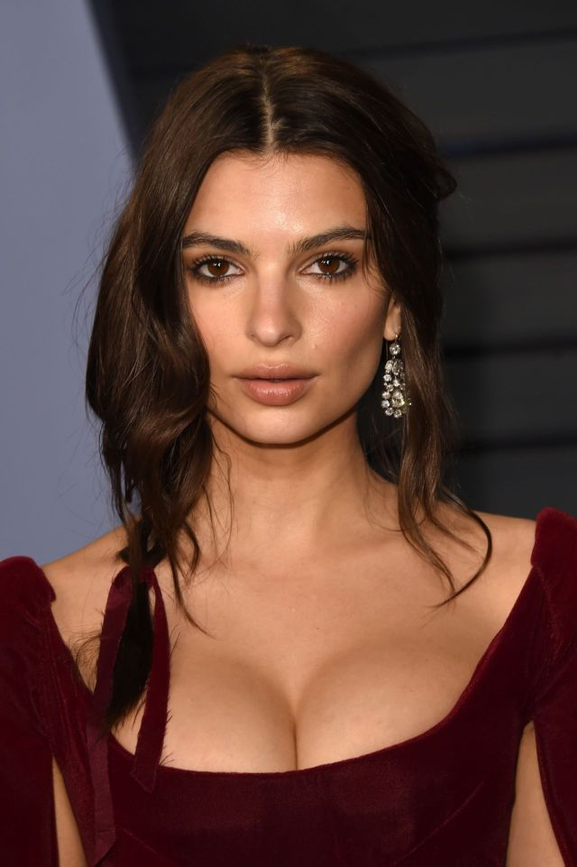Emily Ratajkowski Attended Vanity Fair's 2018 Oscar Party