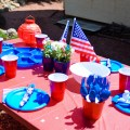 Cheap and Fun Memorial Day Table Setting Ideas