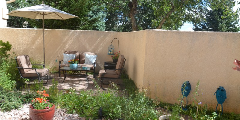 """Small Changes – HUGE Difference (My Courtyard """"Makeover"""")"""