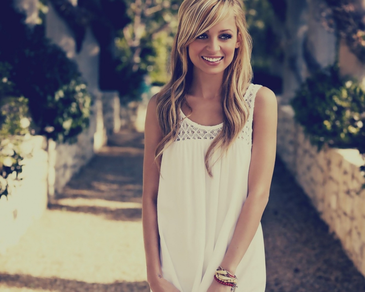 Latest Wallpaper Girl Tv Shows Post Beautiful And Blonde Nicole Ritchie The