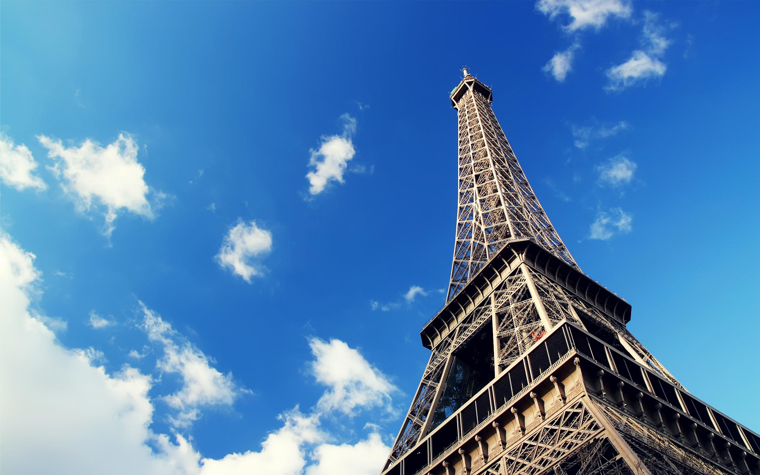 Cute Paris Wallpaper For Ipad Wallpaper Of Great Building Eiffel Tower In The Sky