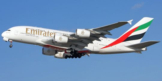 airlines-emirates-01