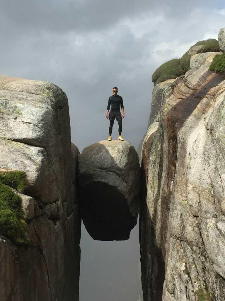 Resultado de imagen para Kjeragbolten, Noruega