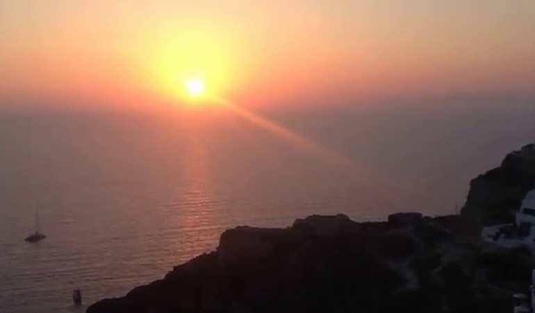 Pôr-do-sol em Santorini, Grécia