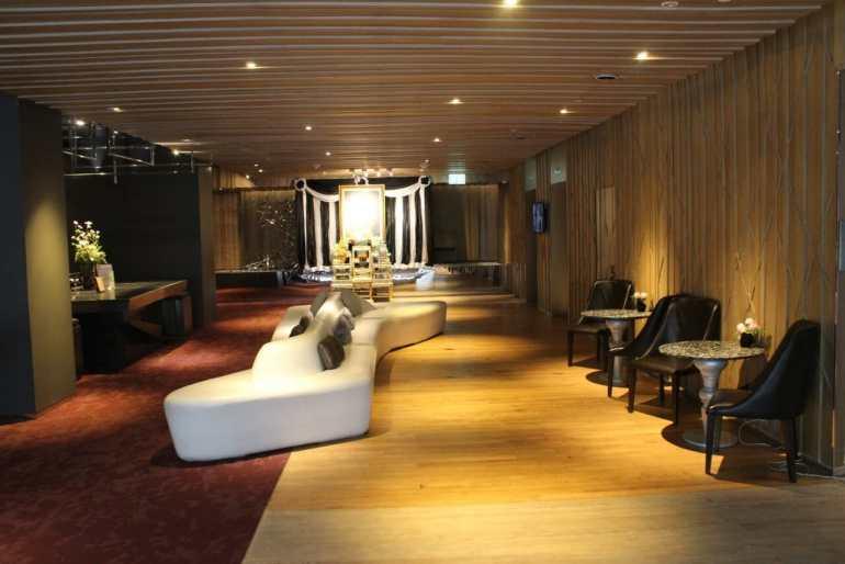 Modern Sathorn Hotel