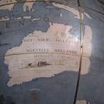 Nouvelle Hollande on a 1681 globe of world