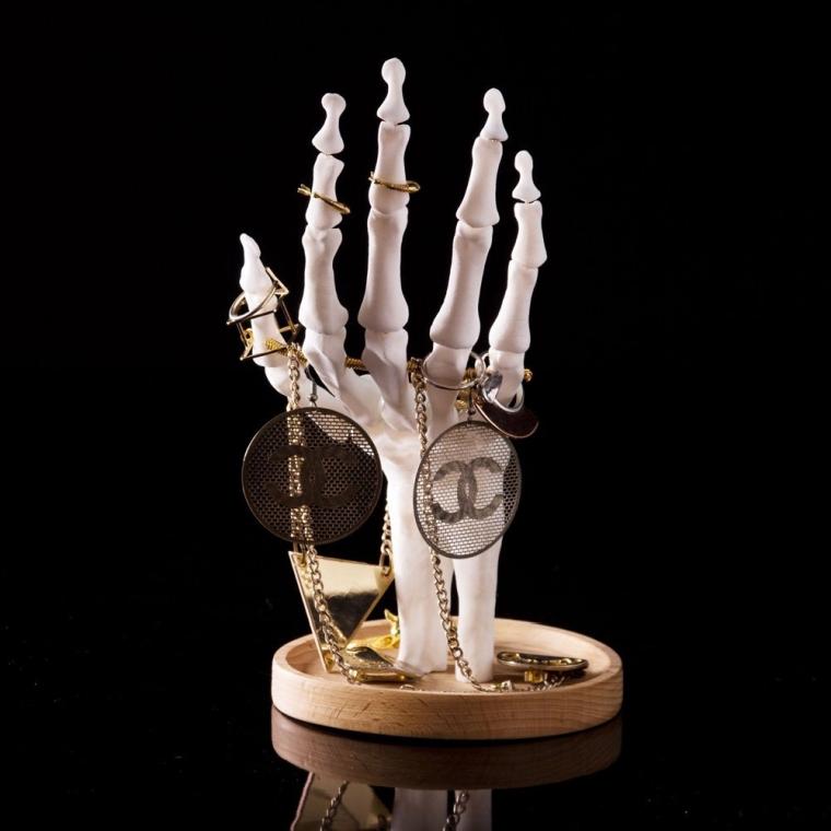 Skeleton Hand Jewellery Holder  7 Gadgets