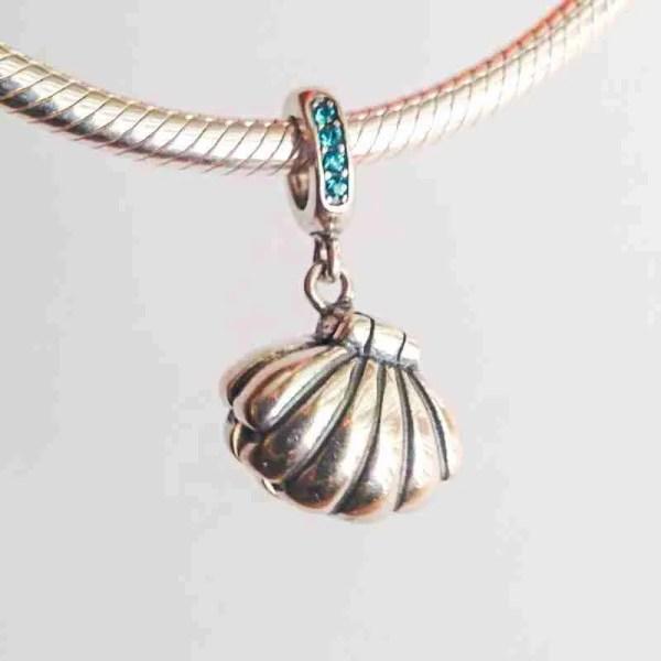Giant Clam Charm With Pearl - 7SEASJewelry