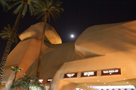 Las_Vegas_Casino_Kasyno_Sfinx_Robert_Stuczynski_Noise_blog