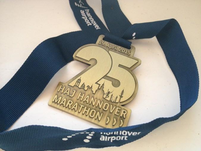Medaille des 25. HAJ Marathon Hannover 2015