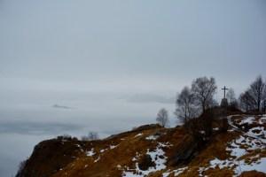 """Blick auf das Gipfelkreuz des """"Erna"""""""
