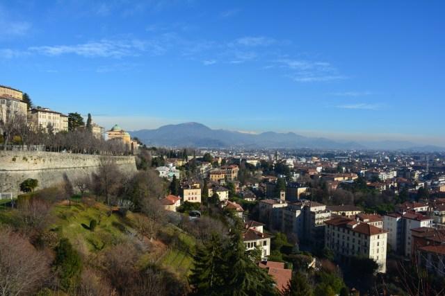 Blick von den Bergamos Stadtmauern