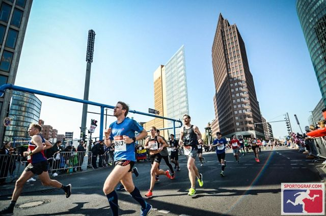Am Potsdamer Platz - Berliner Halbmarathon 2019