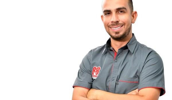 Leo Vega