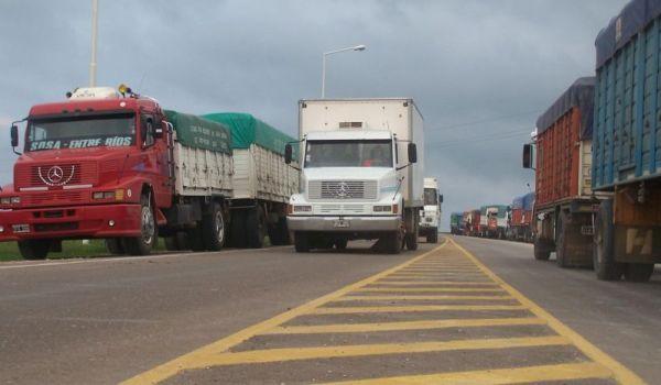 CNE brinda asistencia a más de 700 transportistas en zonas fronterizas, por COVID-19