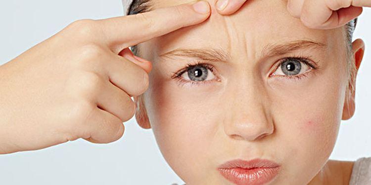 右臉長痘痘是什么原因引起的?-子非網