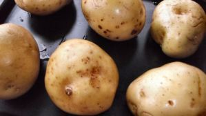 How to cook Jacket Potato / Potatoes