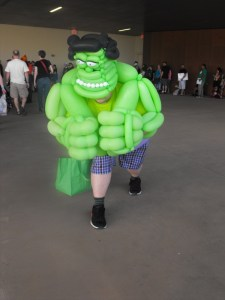 Dallas Comic Con- Inflatable Hulk (600x800)