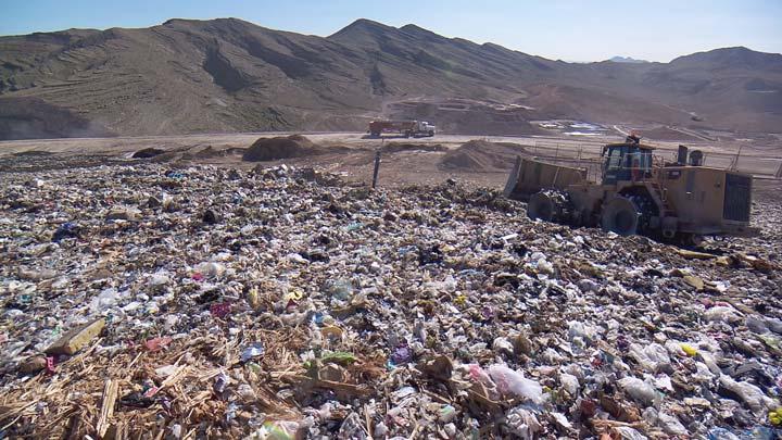 recycling-wars-4_1447821898500.jpg
