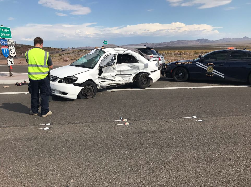 2 killed in crash at I-11 and US 95 southbound | KLAS - 8