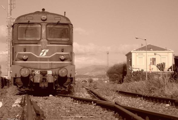 """Viaggio tra i """"non-luoghi"""" di Paternò (seconda puntata): la stazione San Marco"""