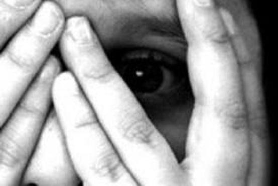 Abusava sessualmente di un suo alunno: è finito ai domiciliari