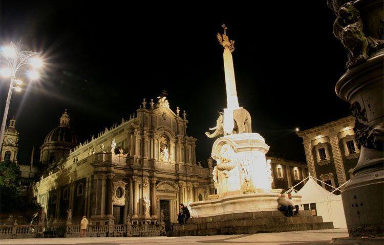 CATANIA: Capodanno a Catania in due piazze: musica sotto il segno di Bellini
