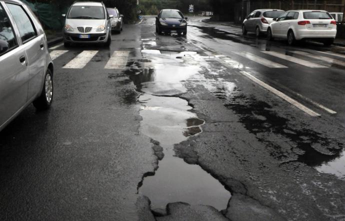 PATERNO': Attivato numero per segnalazione strade e verde pubblico