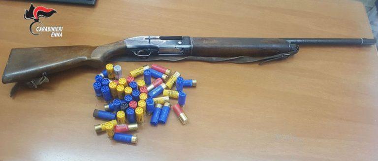 CENTURIPE: Fucile rubato e munizioni nascosti in un furgone, arrestato 39 enne