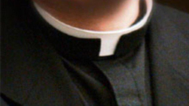 Sacerdote catanese rinviato a giudizio per violenza su minore