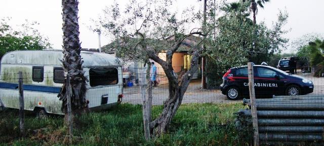 Romeni sfruttati in campagna, arrestati due imprenditori di Zafferana