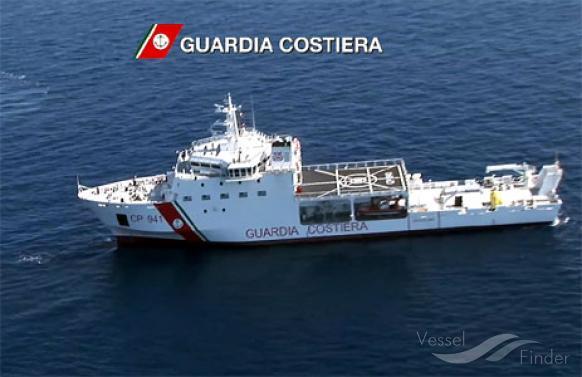 Migranti, nave con a bordo 937 persone a Catania