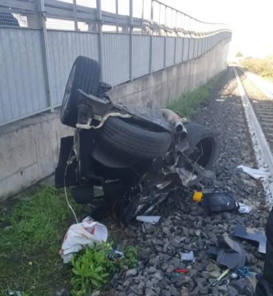 auto distrutta due