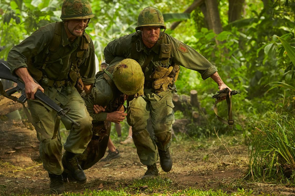 《鋼鐵勳章》耗時20年籌備「還原越戰最殘酷戰役」 神盾局長合體冬兵捍衛榮譽 : 98yp 電影影評線上看