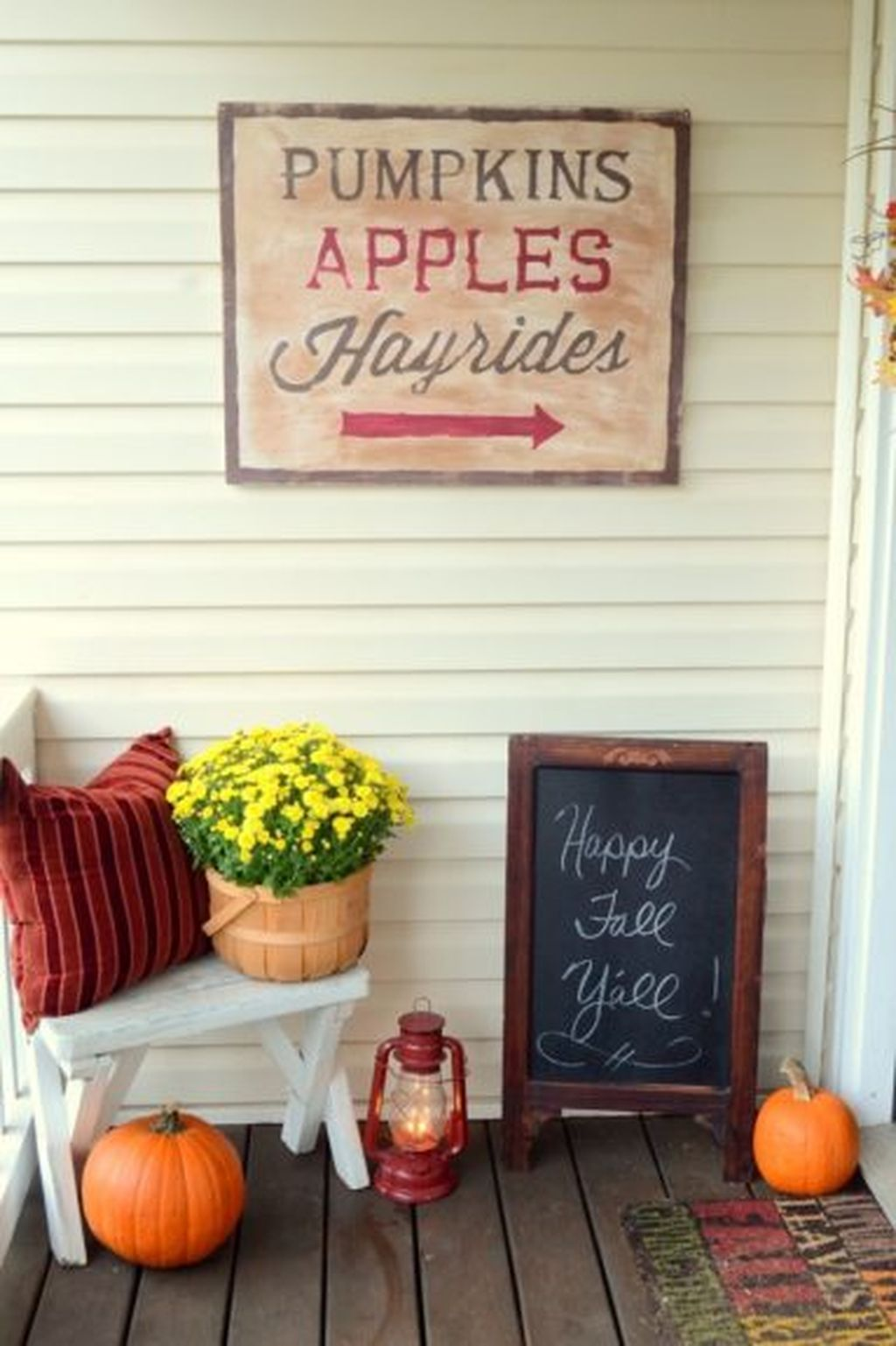 Easy But Inspiring Outdoor Fall Decoration Ideas 46