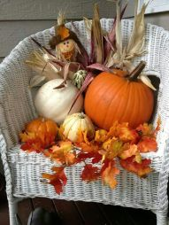 Easy But Inspiring Outdoor Fall Decoration Ideas 47