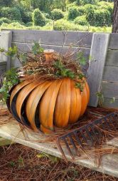 Easy But Inspiring Outdoor Fall Decoration Ideas 49