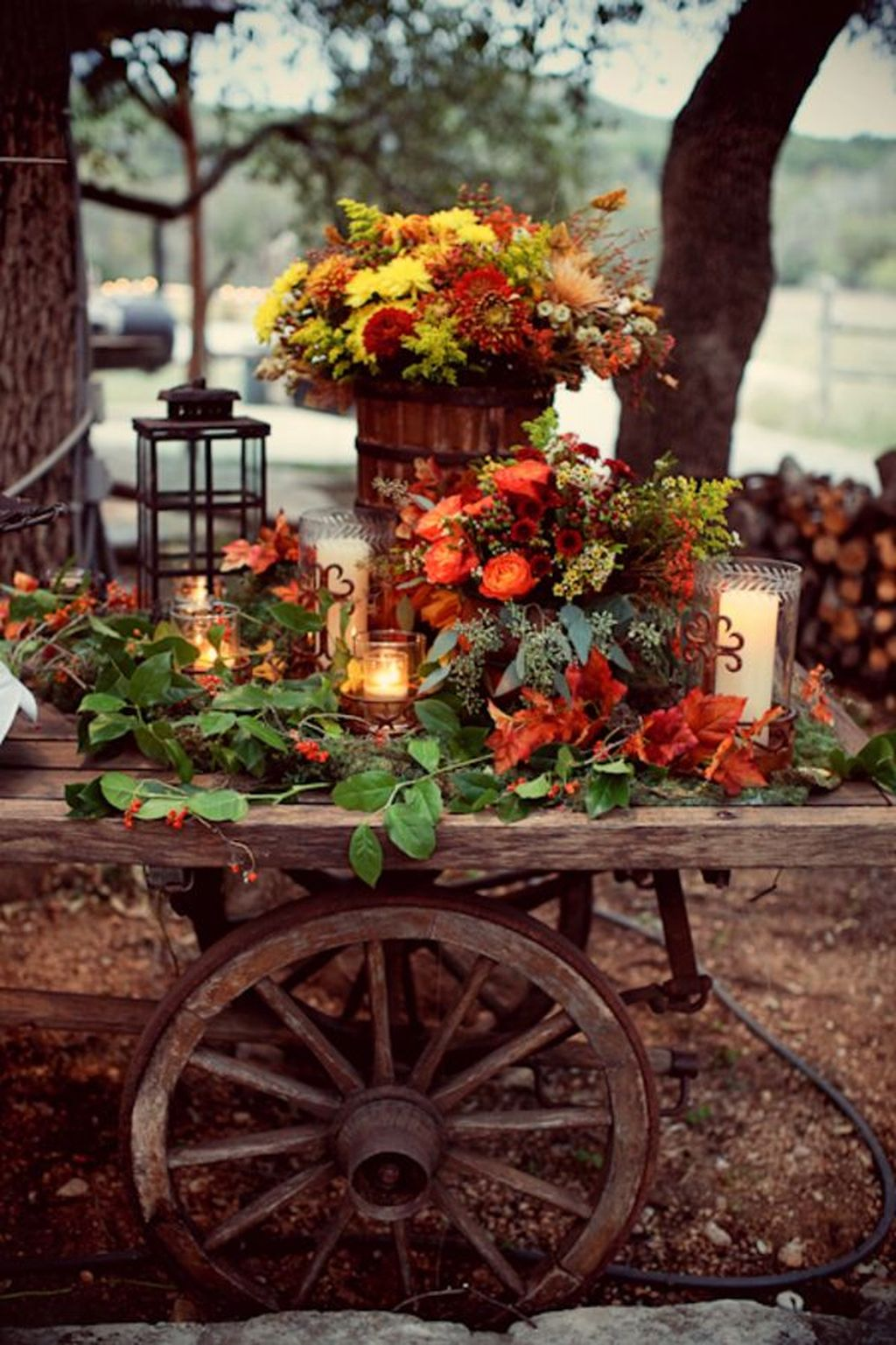 Easy But Inspiring Outdoor Fall Decoration Ideas 53