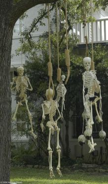 Scary Front Yard Halloween Decoration Ideas 50